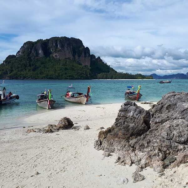 Phuket-One-Day-Trip-Krabi-5-Islands-Yao-Island-by-speedboat-6