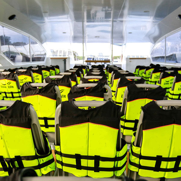 best-catamaran-trip-krabi-rok-island