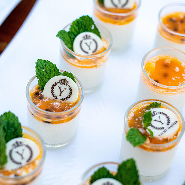 buffet-dinner-krabi-luxury-yacht-tour