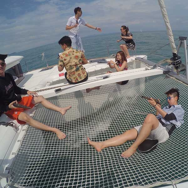 full-day-trip-maiton-island-by-sailing-catamaran-4