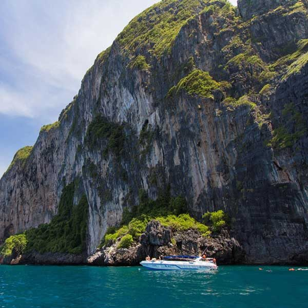 full-day-trip-premium-phi-phi-island-bamboo-island-by-speedboat-4