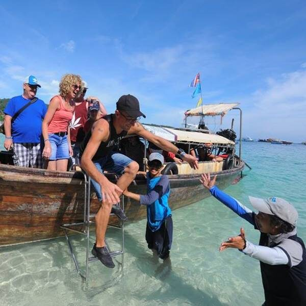 full-day-trip-premium-phi-phi-island-khai-island-by-catamaran-4