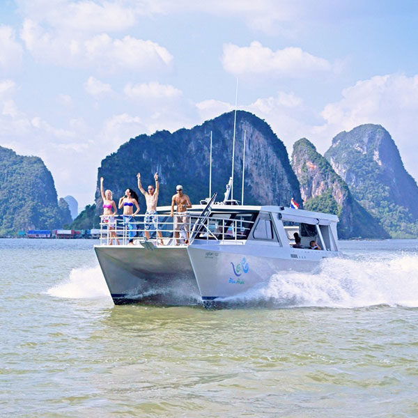 hong-island-krabi-tour-comfortable-catamaran-boat
