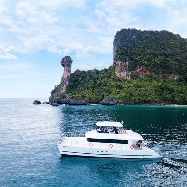 krabi-luxury-yacht-chicken-island-tour