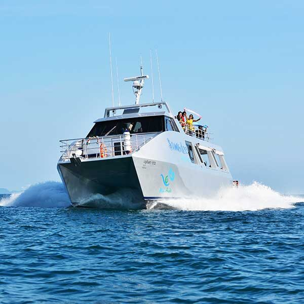 phuket-premium-sawasdee-krabi-hong-island-by-catamaran-2