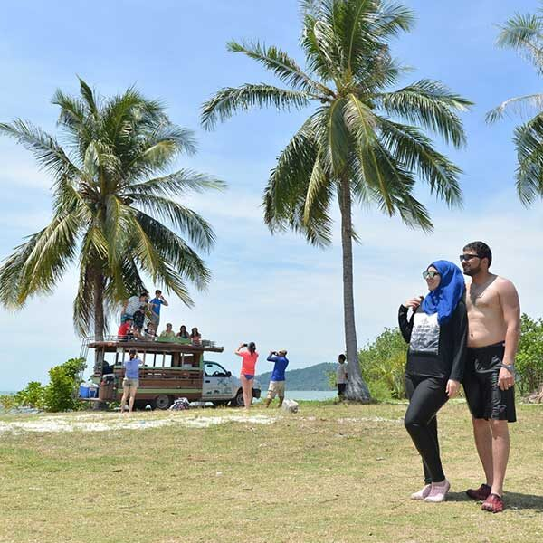 phuket-premium-sawasdee-krabi-hong-island-by-catamaran-4