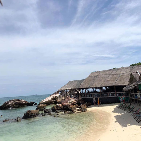 phuket-relaxing-khai-nui-island