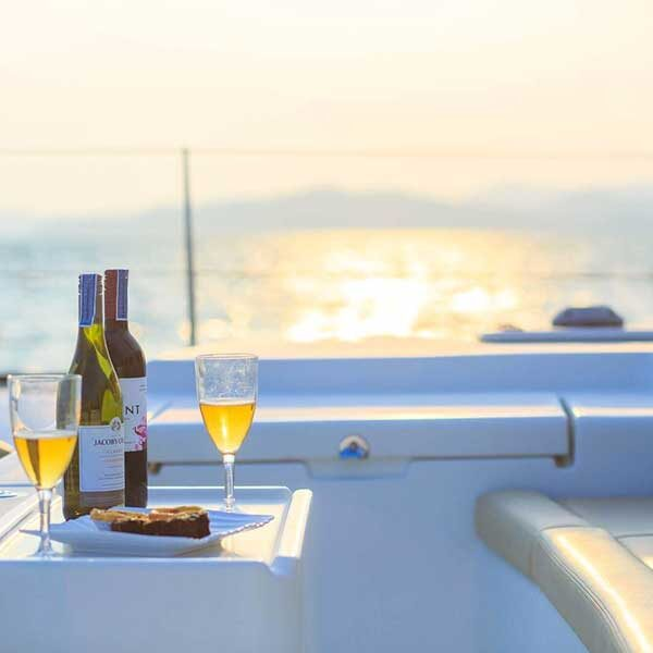 rent-private-day-charter-sailing-catamaran-phuket-4