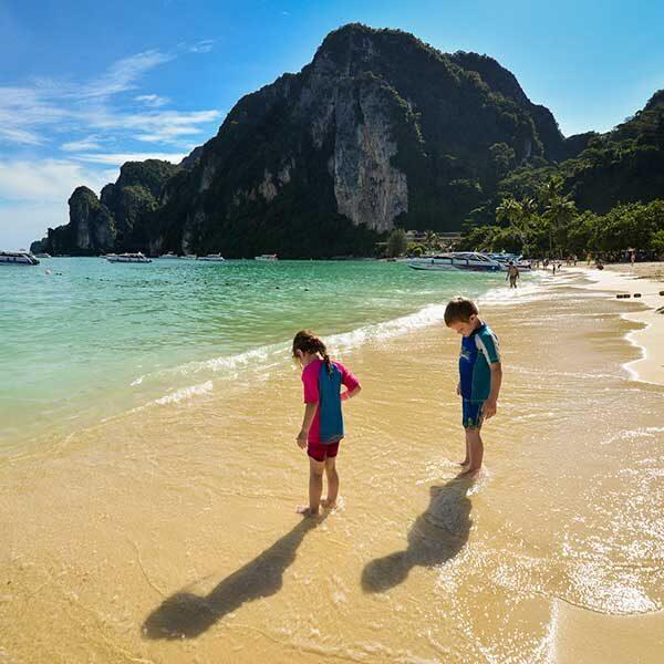sawasdee-phi-phi-islands-khai-nok-island-premium-catamaran-phuket-2