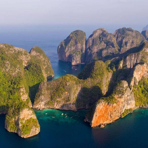 sunrise-trip-phi-phi-island-bamboo-island-by-speedboat