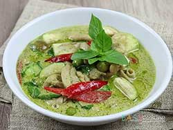 phuket-kathu-thai-cooking-school-green-curry-with-chicken