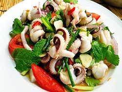 phuket-kathu-thai-cooking-school-squid-salad