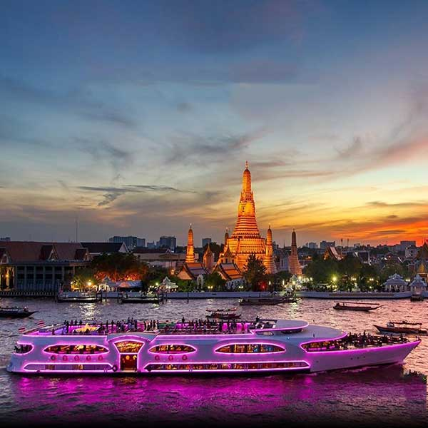 Amazing-Luxury-Dinner-CruiseWonderful-Pearl-Bangkok