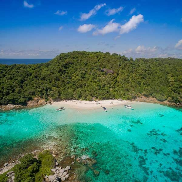 Day-Tour-Paradise-Beach-Racha-Noi-Island
