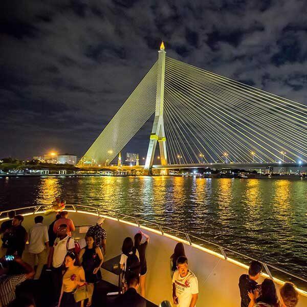 Dinner-and-Show-Bangkok-Chao-Phraya-Cruise