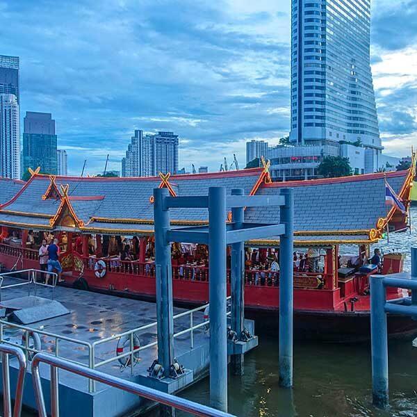 Thai-Style-Show-Dinner-Wan-Fah-Cruise-Bangkok