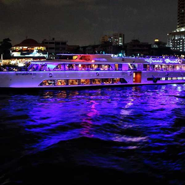 dinner-cruise-bangkok-grand-pearl-boat