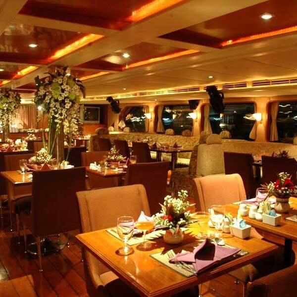 dinner-river-cruise-bangkok-grand-pearl-boat-2