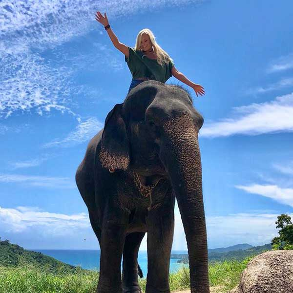 Learn-to-ride-bareback-30-mins-experienced-instructor-Elephant-Phuket