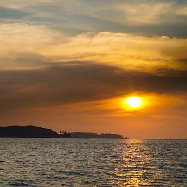 Half-Day-Afternoon-Sunset-Racha-Island-Tour-Phuket-11