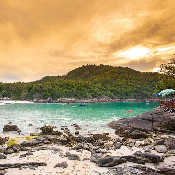 Half-Day-Afternoon-Sunset-Racha-Island-Tour-Phuket-2