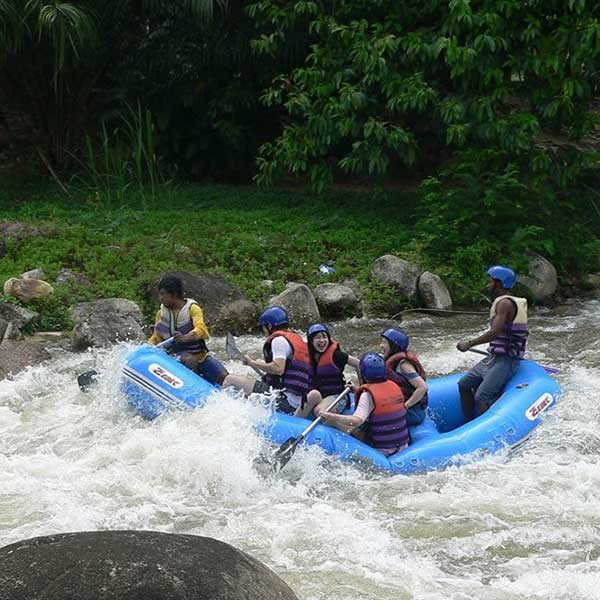 D1.-Day-Trip-White-Water-Rafting-7-km.Elephant-Trekking-7