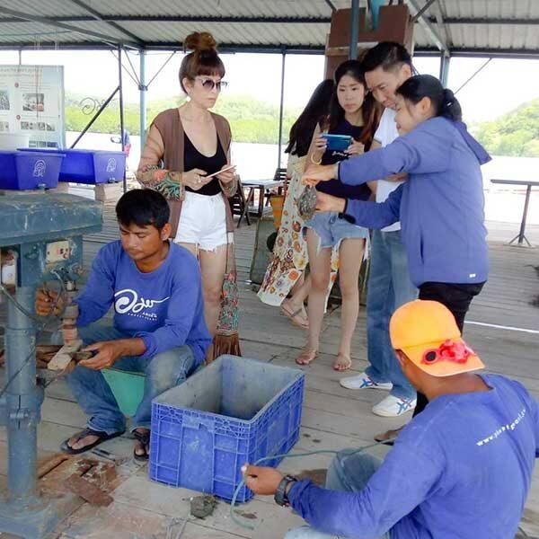 Half-Day-Tour-Phuket-Pearl-Farm-Trip-3
