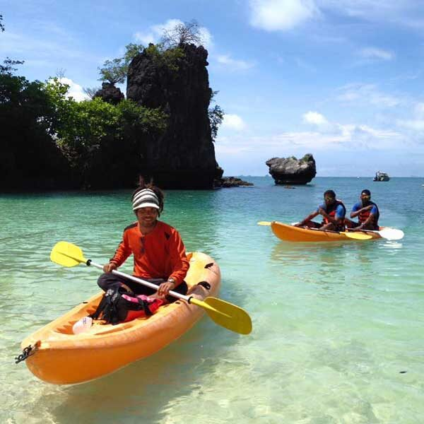 Krabi-Day-Tour-Hong-Island-by-long-tail-boat-with-Kayak-3