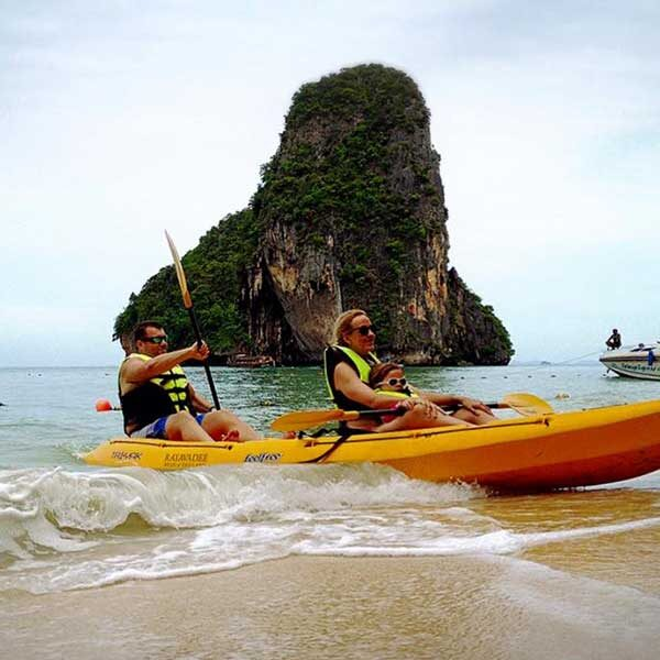 Krabi-Day-Tour-Hong-Island-by-long-tail-boat-with-Kayak