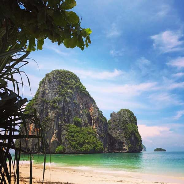 Krabi-One-Day-Trip-Hong-Island-by-long-tail-boat-9