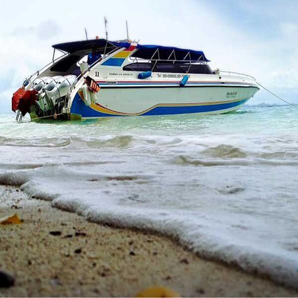 Krabi-Premium-Day-Trip-Phi-Phi-Island-Bamboo-Island-by-speedboat-6
