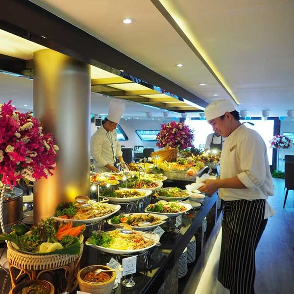 Dinner-Buffet-Luxury-The-Bangkok-River-Cruise