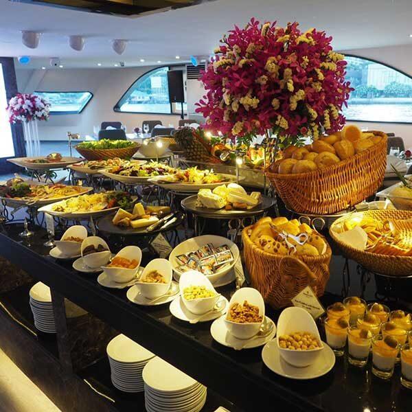 Luxury-Dinner-Buffet-Dinner-River-Cruise-Bangkok