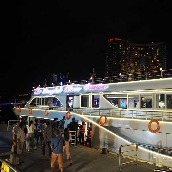 The-Bangkok-River-Cruise-Iconsiam-Pier