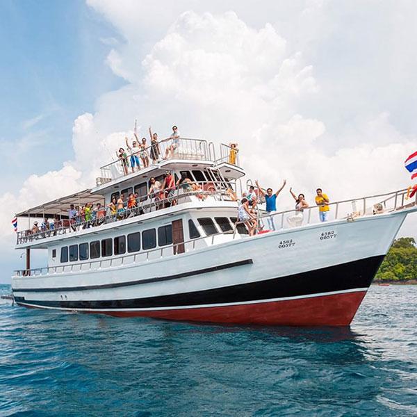 big-boat-ferry-transfer-banana-beach-phuket