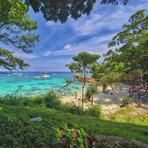 premium-trip-racha-coral-island-speedboat