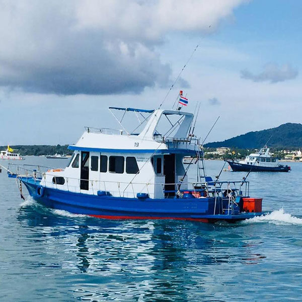 private-fishing-boat-for-rent-phuket
