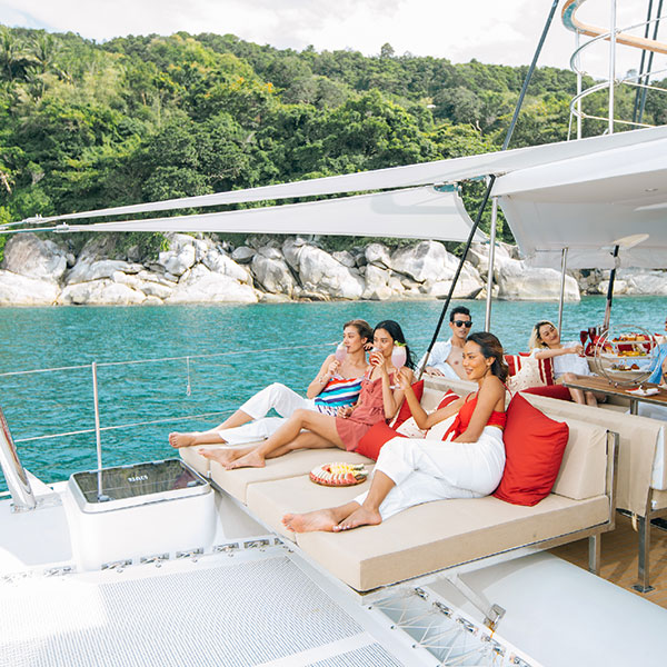 phuket-lobster-yacht-sunset-cruise-banana-beach-maiton