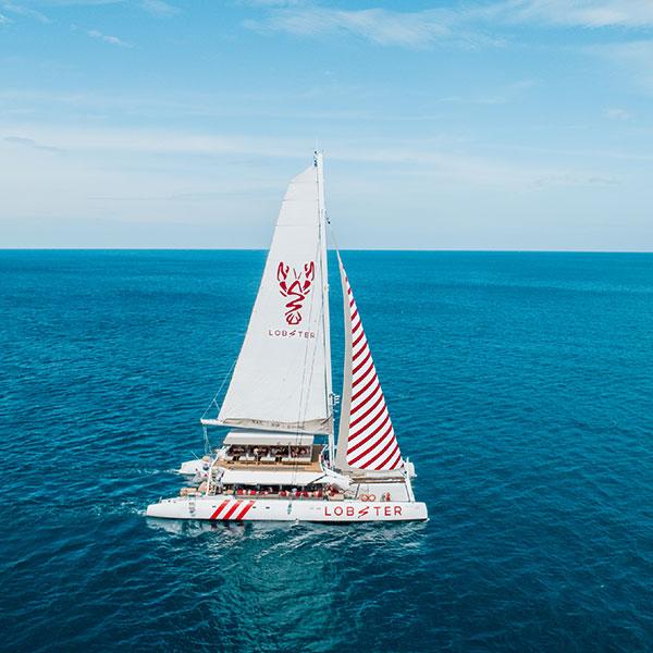 sailing-yacht-tours-banana-beach-maiton-island